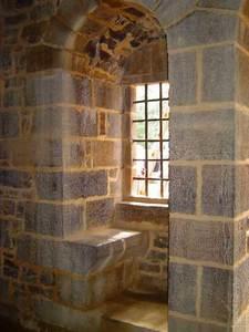 Fenêtre médiévale reconstruite à l'identique (Guédelon)