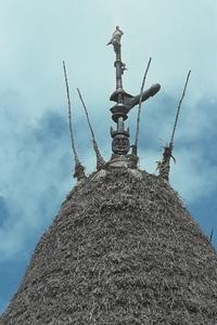 Flèches faîtières de cases traditionnelles (Hienghène)